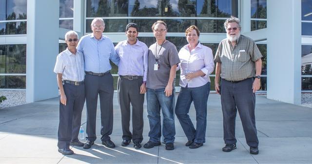 3D Systems 由 Chuck Hull 共同创建,成为世界首家 3D 打印公司