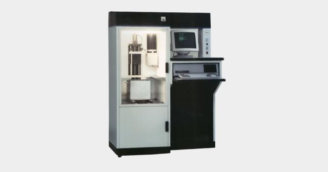 3D Systems 将首款 3D 打印机 SLA-1 立体光固化成型 (SLA) 打印机成功推向市场